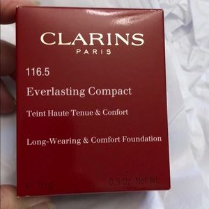 Clarins everlasting compact foundation 116.5
